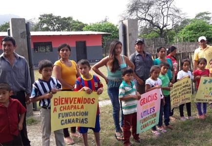 Ayuda Material Escolar a Perú